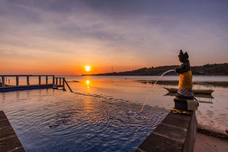D'Pasih Ceningan, a property with a terrace, is located in Nusa Lembongan, a 19-minute walk from Blue Lagoon, 3.7 km from Mushroom Bay, as well as 4 km from Devil's Tear.