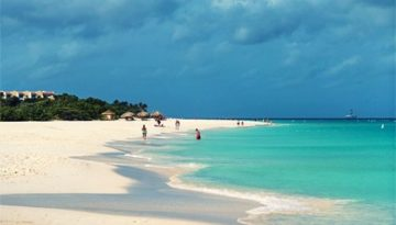 Looking for gambling and fun in the sun, you really need to have a affordable holiday vacation to Palm Beach, Aruba.