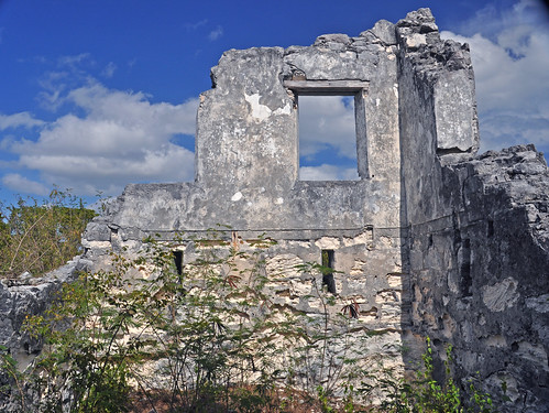 Watling's Castle (Sandy Point plantation manor house, mid- to late 1700s; southern San Salvador Island, Bahamas). There are many unusual historic structures in San Salvador. Watling's Castle, in Port Nelson, once belonged to the pirates that terrorized the towns and waters of the islands that make up the Bahamas.
